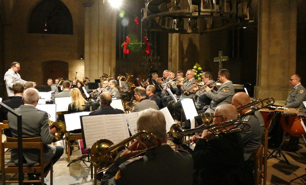 Der Reservistenmusikzug Niedersachsen bei seinem Adventskonzert 2019 in Hildesheim
